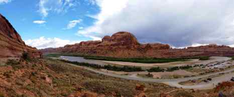 The Colorado River at the start of the Corona Arch Trail