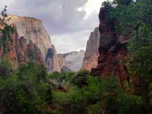 A view of the Zion Valley at dusk