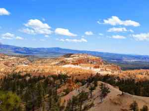 An overlook of the Bryce Amphitheater