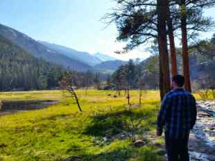 Along the Cub Lake Trail, near the start